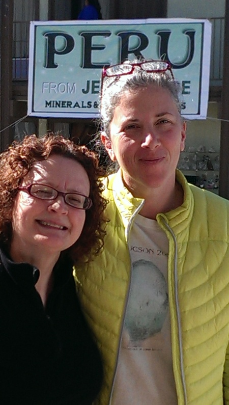 Jean_and_Holly_at_the_Tucson_Gem_and_Mineral_Show